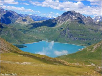 Mont-Cenis : dans quelle vallée se situe le col du Mont-Cenis ?
