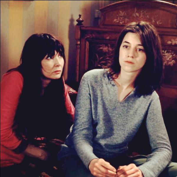 Quel est ce film, sorti en 1999, dans lequel Charlotte Gainsbourg, Sabine Azéma et Emmanuelle Béart interprètent des sœurs se retrouvant pour les fêtes de Noël ?