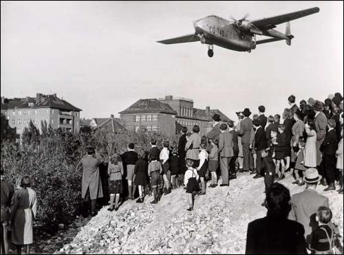 En 1949, quelle est la conséquence immédiate du blocus de Berlin pour l'Allemagne ?