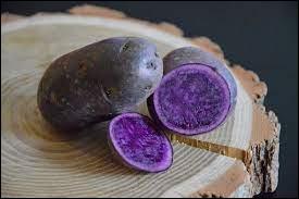 Quel est le nom de cette variété de pomme de terre dont la chair est de couleur violette ?