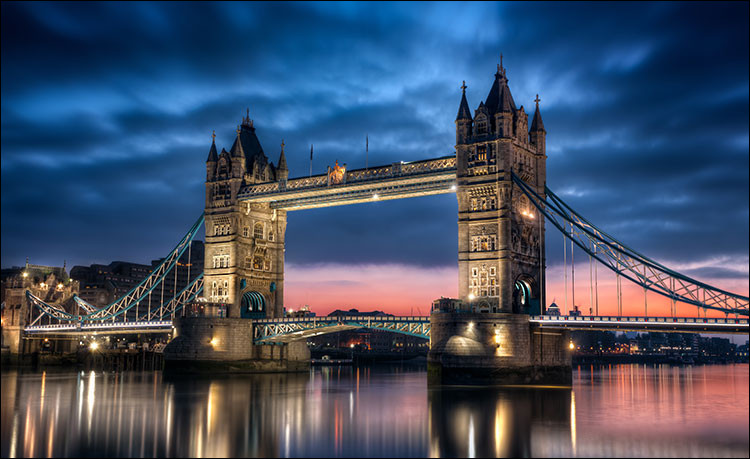 Quel est le prénom du peintre anglais Hockney ?