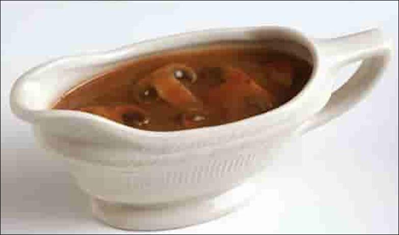Quelle est cette sauce à base de vin rouge, d'oignons ou d'échalotes liée par un fond de veau ?