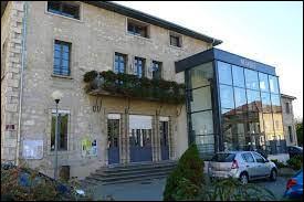 Nous terminons notre balade dans la Drôme, à Saint-Laurent-en-Royans. Nous sommes en région ...