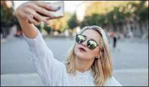 Qu'est-ce qu'un selfie ?