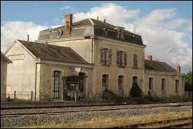 Nous terminons notre balade à Velluire. Ancienne commune Vendéenne, elle se situe en région ...