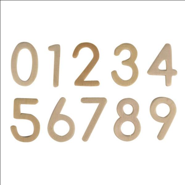 Additionnés, les trois chiffres composant un nombre donnent 14.Le premier chiffre est la moitié du deuxième et le quart du troisième. Quel est ce nombre ?