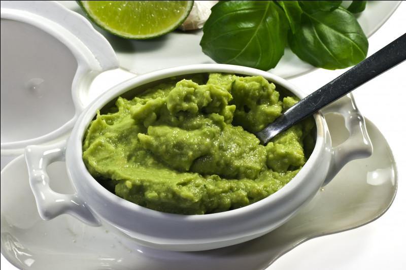 Quel est ce condiment mexicain fait à base d'avocat, de piment frais, de coriandre, d'oignons, de jus de lime ou de citron ?