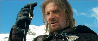 Dans  La Communauté de l'Anneau , quel fils du Gondor a voulu s'emparer de l'Anneau unique ?