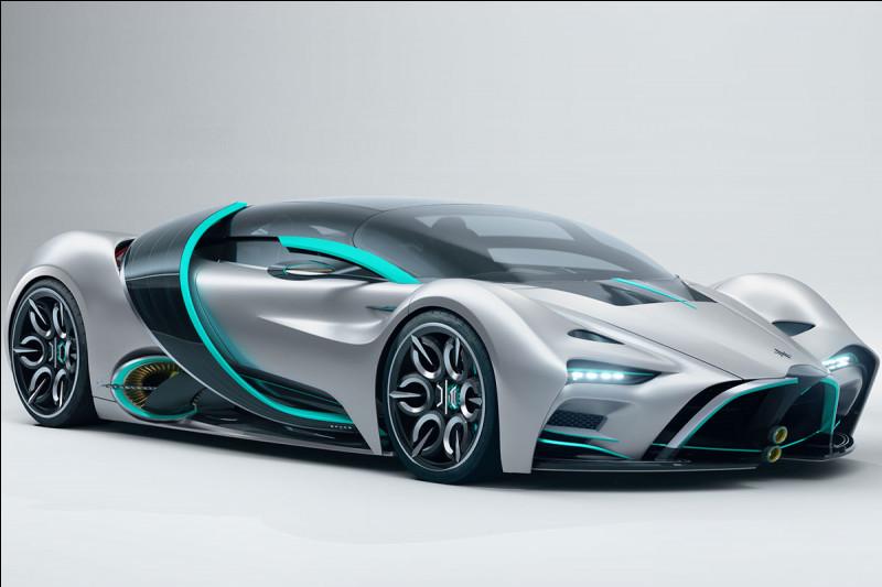 Une voiture roule à 120 km/h. En combien de temps parcourt-elle 400 mètres ?