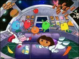 Comment s'appelle l'ami de Dora qui l'accompagne dans l'espace ?