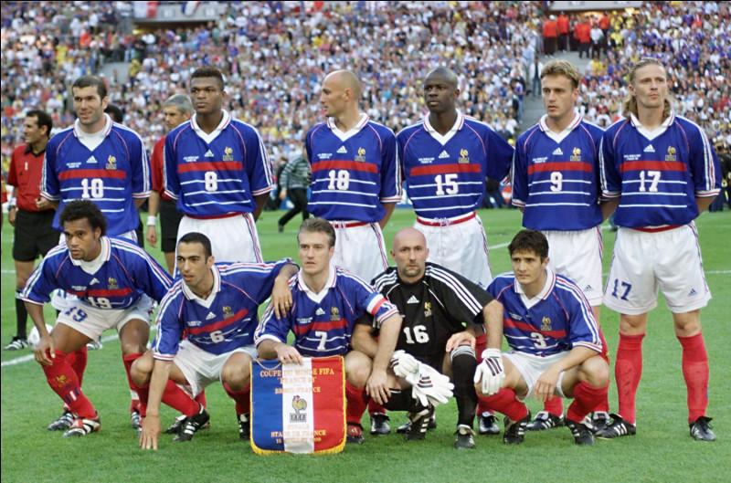 Quel footballeur recordman des sélections en équipe de France n'y a marqué que deux buts ?