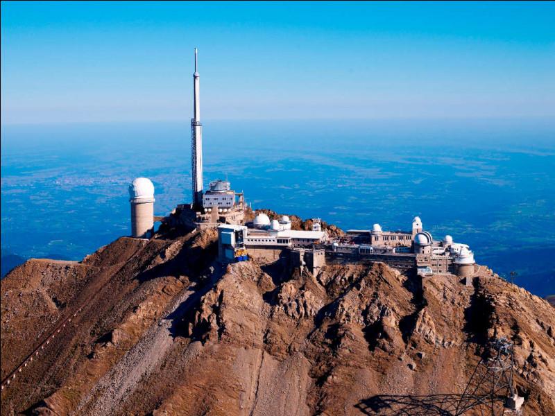 """Poursuivons, nous sommes dans le département les Hautes-Pyrénées ce lieu est connu pour son installation """"astronomie"""" nous sommes donc au :"""