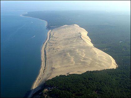 Après avoir contemplé le Jura, notre voyage atteint la Girondecomment se nomme cette dune de sable ?