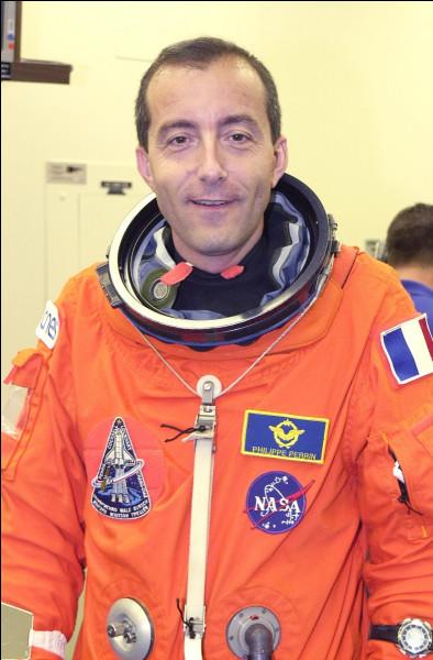 Je suis le neuvième Français à être parti dans l'espace, en passant treize jours dans la navette américaine Endeavour ; mais je ne suis pas le dernier en date...Je suis :