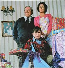Quel est le nom de famille de l'oncle, la tante et le cousin du célèbre Harry Potter ?