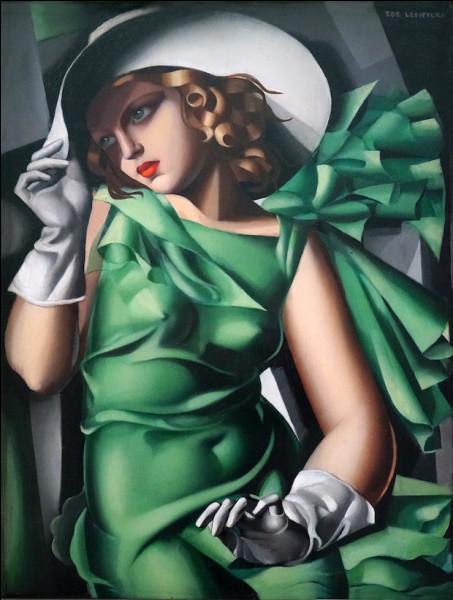 Femme vêtue de vert et toute enrubannée ! Qui est l'artiste ?