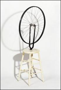 """Quel est l'auteur de cette """"Roue de bicyclette"""" de 1913 ?"""