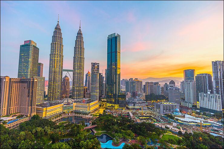 Putrajaya est la capitale administrative de la Malaisie, État d'Asie du Sud-Est. Quel est le nom de sa capitale historique ?