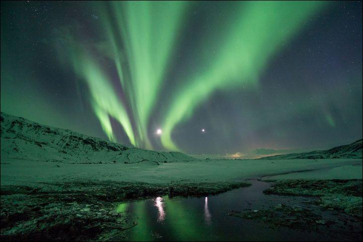 On continue de monter et nous arrivons dans la couche où se produisent les fameuses aurores polaires, comment se nomme cette couche située entre 100 et 500 km d'altitude ?