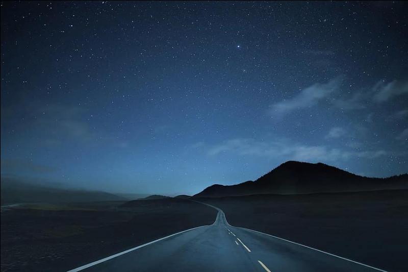 """Dans quel pays se trouve la route historique """"Highway 66"""" ?"""