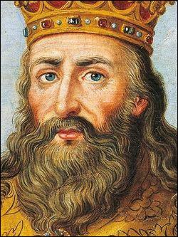 """""""C'est ce sacré Charlemagne !""""Il fut d'abord roi des Francs en obtenant l'Austrasie et le nord de la Neustrie en 768, à la mort de son père, Pépin le Bref. À quelle date, exactement, se fit-il sacré empereur d'occident ?"""