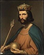 Justement, en parlant des capétiens, quel roi fonda cette dynastie (987-1328) qui est composée de quinze souverains ?