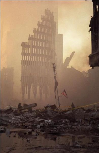 En quelle année les Etats-Unis, en réaction à ces attentats, vont-ils envahir l'Afghanistan ?