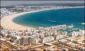 La ville d'Agadir se situe-t-elle en Espagne ?