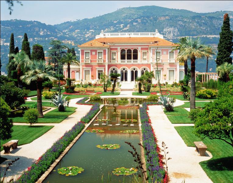 Dans quelle ville peut-on voir la villa Ephrussi de Rotschild ?