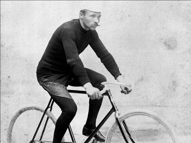 Qui est ce sportif français, vainqueur du premier Tour de France cycliste de 1903 en conservant la première place du début à la fin ?