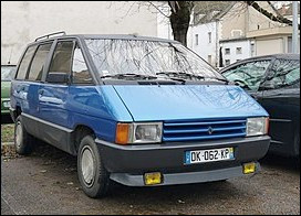 Le Renault Espace est rendu à sa 5e génération. Mais en quelle année a été lancée cette version de départ ?