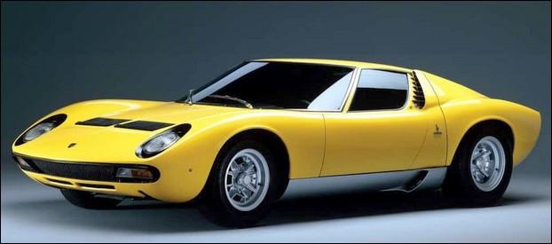 Lors de sa sortie en 1966, cette italienne sportive fit l'effet d'une bombe. Quel est ce constructeur ?