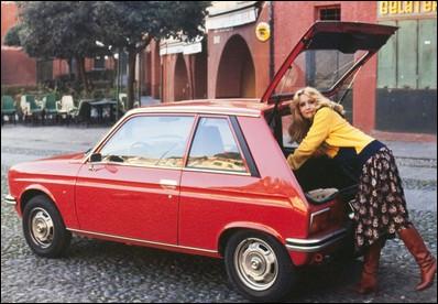 C'est le plus court modèle français des années 70. Quelle est cette voiture ?