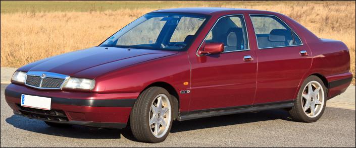 C'est une Lancia Karma.