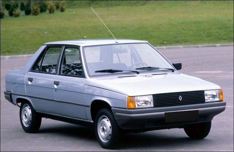 C'est une Renault R 11.