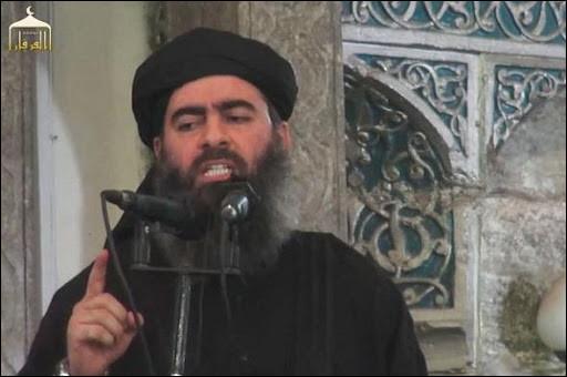 """En avril 1996, il est proclamé """"commandeur des croyants"""" par ses partisans. Il est le chef des talibans de 1994 jusqu'à sa mort ; il dirige l'Émirat islamique d'Afghanistan. Quel est ce personnage ?"""