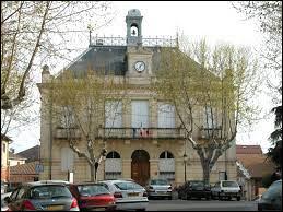Nous restons en Occitanie avec cette visite de Cazouls-lès-Béziers. Nous sommes dans le département ...