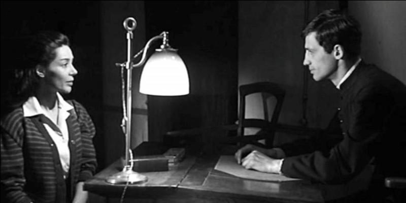 Dans ce film de Jean-Pierre Melville qui se déroule durant l'Occupation, il est le jeune prêtre que rencontre la veuve de guerre d'un juif communiste (Emmanuelle Riva), rencontre qui la rapproche de la conversion. C'est ...