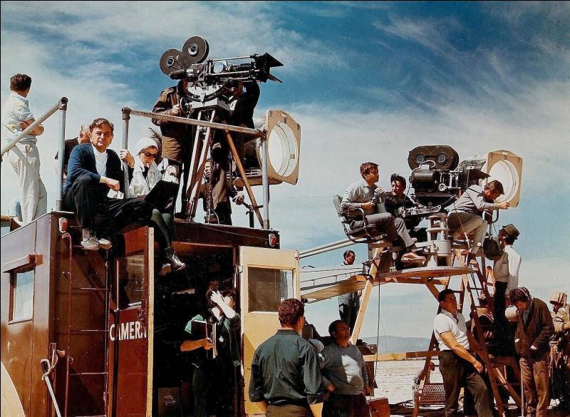 """Qui peut-on voir aux côtés de Jean-Paul Belmondo dans le long-métrage """"L'Homme de Rio"""" ?"""