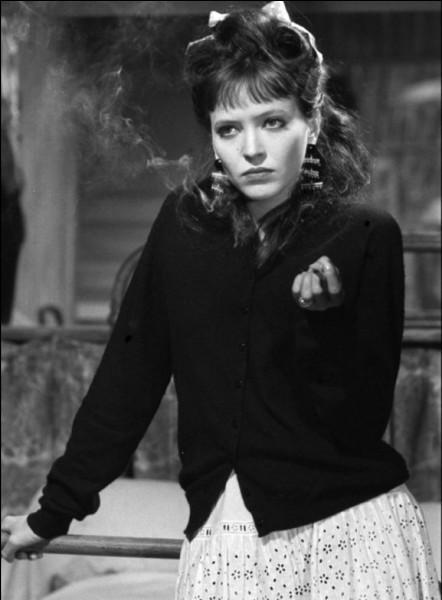 """Ils tournent trois films ensemble : elle est Angela dans """"Une femme est une femme"""", Gisèle dans """"Dragées au poivre"""" et Marianne dans """"Pierrot le fou"""". Quelle est cette actrice ?"""