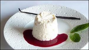 Pour finir une spécialité fabriquée à base de crème fouettée, de blancs d'œufs battus en neige et d'un coulis de fruits rouges. De quelle région provient ce crémet ?