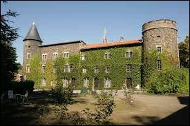 Je vous emmène au château du marquis de Fenoyl, à Sainte-Foy-l'Argentière. Commune Rhodanienne, elle se situe dans l'ancienne région ...