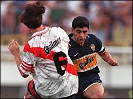 Quelle est la date de la fin de la carrière de Maradona ?