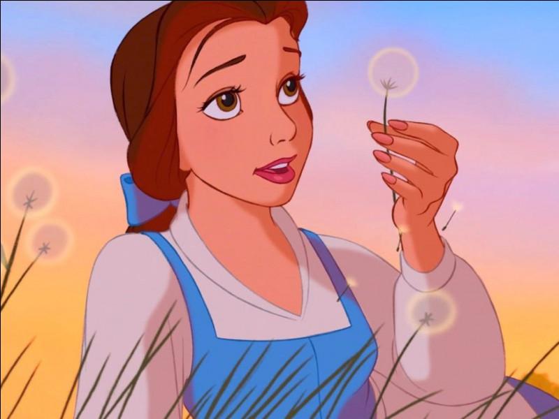 Qui joue Belle dans le film ?