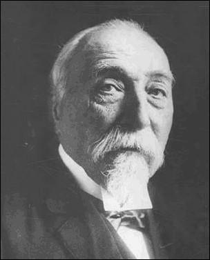 Président du Conseil de 1902 à 1905, il mena une politique anticléricale avec la rupture des relations entre la France et le Saint-Siège en 1904. Qui est-il ?