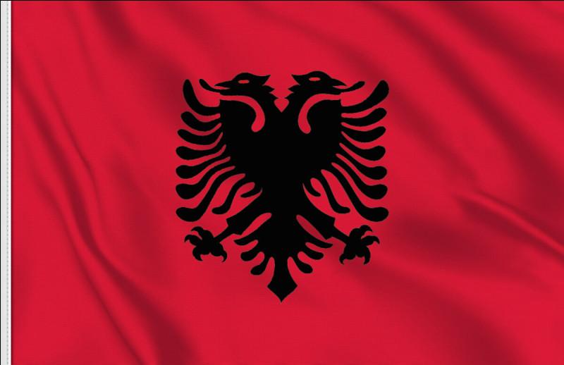 Ce pays partage des frontières communes avec le Monténégro. Depuis 1992, c'est une république parlementaire, démocratique et représentative. Il compte 3 029 278 habitants et sa capitale est Tirana. Quel est-il ?