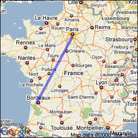 Combien de temps dois-je m'arrêter pour recharger mon e-tron 55 sur le trajet Bordeaux-Paris ?