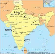 Laquelle de ces lignes du globe terrestre traverse l'Inde ?