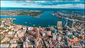 Dans quel pays se situe la ville de Dar es Salam ?