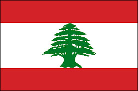 Quel arbre figure au centre du drapeau du Liban ?